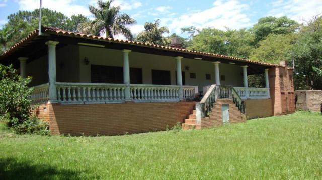 haus mit grundstueck in aregua paraguay zum verkauf fuer. Black Bedroom Furniture Sets. Home Design Ideas